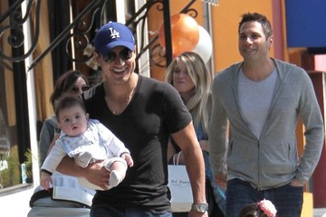 Courtney Mazza Mario Lopez and His Family Visit Bel Bambini