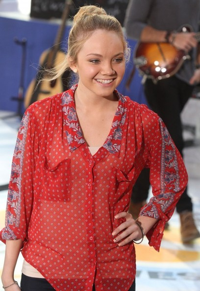 Danielle bradbury drops by the today show pictures