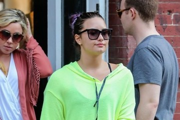 Demi Lovato Demi Lovato Out Shopping In New York City
