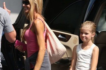 Denise Richards Lola Sheen Denise Richards & Daughters Shopping For Party Supplies