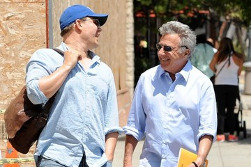 Dustin Hoffman Dustin Hoffman Meets a Friend for Lunch