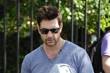 Dylan McDermott Dylan McDermott Takes His Daughter Shopping