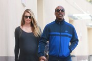 Eddie Murphy and Paige Butcher Stop for Coffee