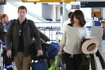 Elizabeth Reaser Elizabeth Reaser Departing On A Flight At LAX