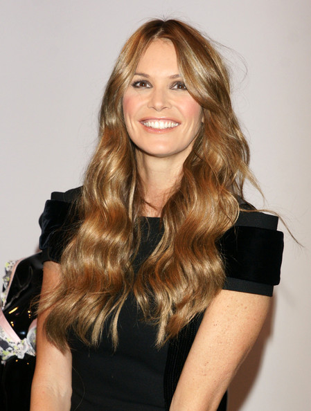 elle macpherson launching her iintimate lingerie. Black Bedroom Furniture Sets. Home Design Ideas