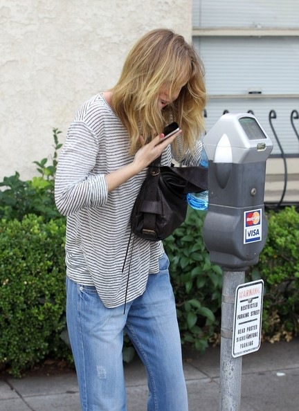 """Grey's Anatomy"" star Ellen Pompeo runs errands on November 26, 2012 in Beverly Hills, California. Ellen braved the Black Friday shopping crowds this weekend to take her excited daughter to Toys R' Us in Glendale."