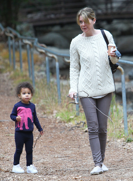 """Grey's Anatomy"" star Ellen Pompeo takes her daughter Stella for a hike through Griffith Park on March 23, 2012 in Los Angeles, CA."