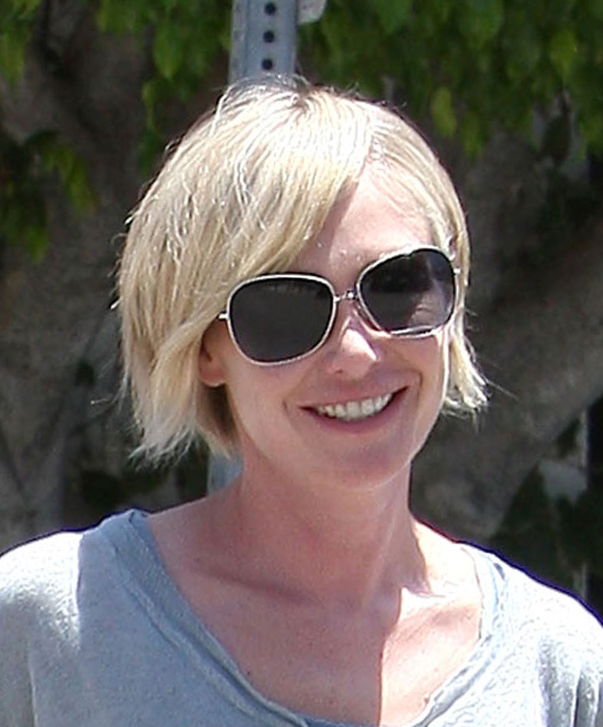 Portia De Rossi New Hair: Ellen & Portia Step Out In