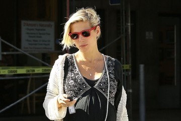 Elsa Pataky Elsa Pataky Shops for Groceries