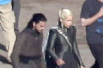 Emilia Clarke Stars Perform on the Set of 'Game of Thrones'