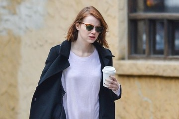 Emma Stone Emma Stone Picks Up Coffee