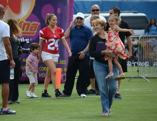 Emme Anthony - Jennifer & Casper Play In A Charity Football Game