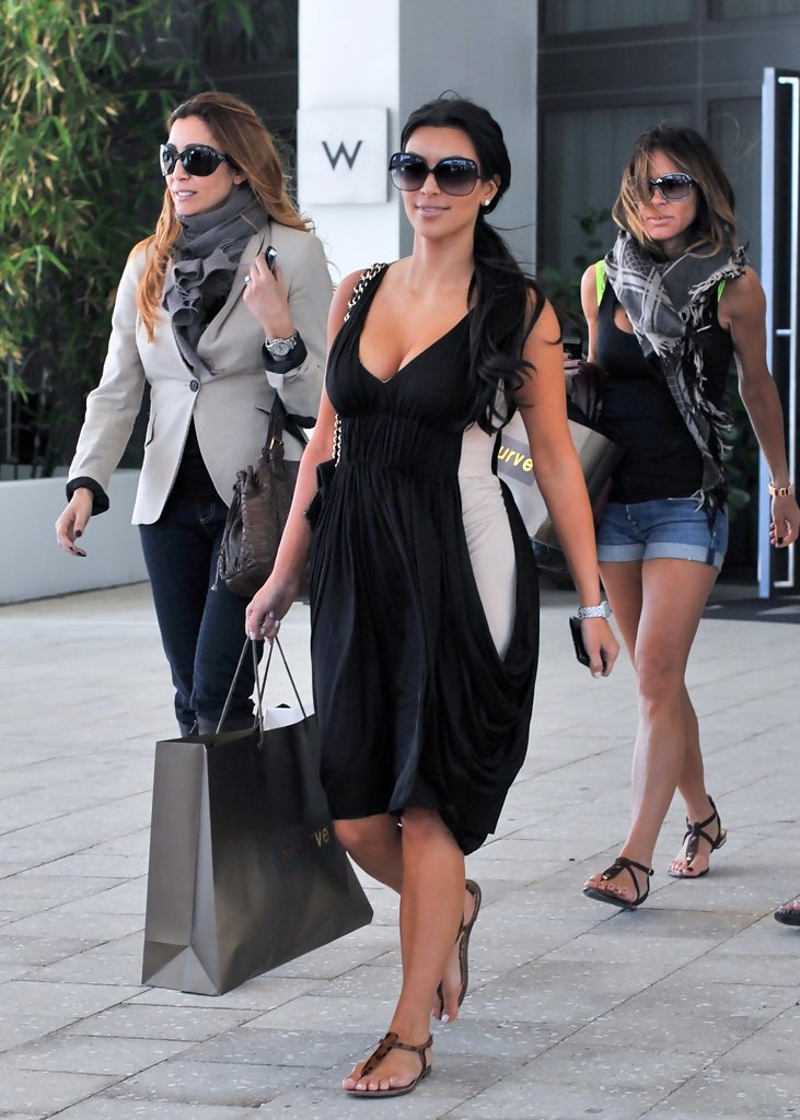 Kim Kardashian Photos Eva Longoria Parker Celebrates Her Birthday With Lunch At The W Hotel South Beach Zimbio