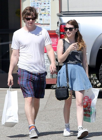 Evan Peters - Emma Roberts And Her Boyfriend Shop At Samy's
