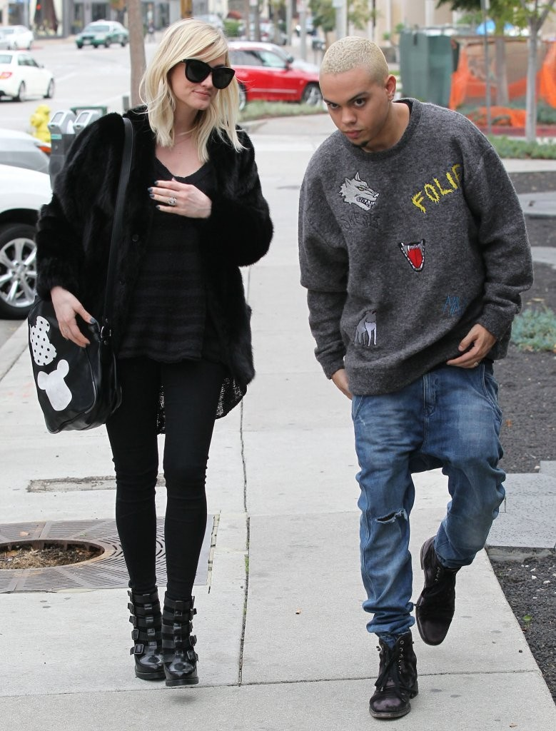 Evan Ross & Ashlee Simpson Shopping In Beverly Hills - Zimbio