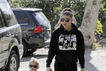 Fergie Fergie Leaving the Park With Her Son