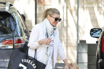 Fergie Fergie Takes Her Son to the Park