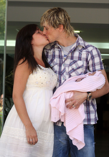 Fernando+Torres in Fernando Torres & Wife Showing Off Newborn Daughter