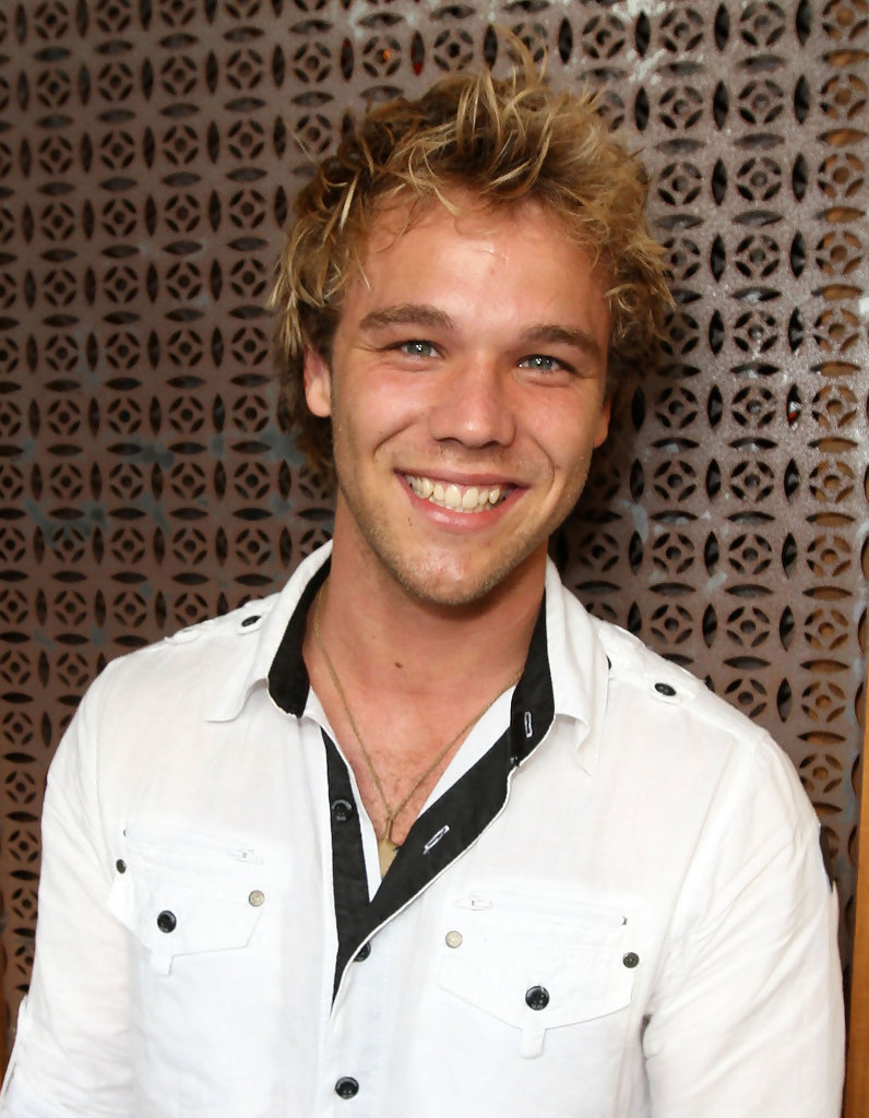 lincoln lewis - photo #22