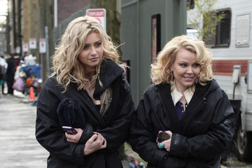 "Gail O'Grady Ashley Tisdale, Alyson Michalka & Gail O'Grady On Set Of ""Hellcats"""