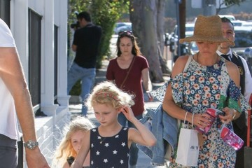 Georgia Dane Eric Dane & Rebecca Gayheart Take Their Daughters To Au Fudge