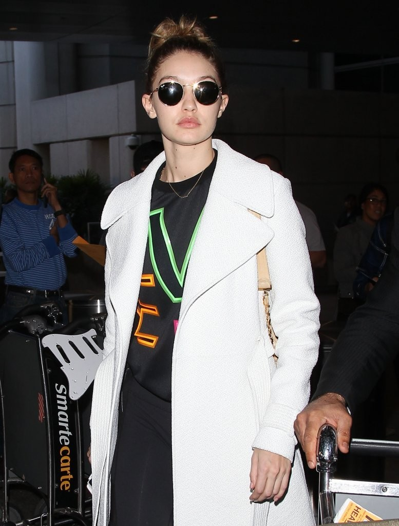 Gigi Hadid Touches Down at LAX 1 of 20