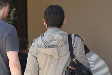 Ginnifer Goodwin Pregnant Ginnifer Goodwin & Josh Dallas Out For Lunch in Beverly Hills