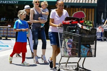 Gwen Stefani Gwen Stefani Stops by Whole Foods with Her Boys