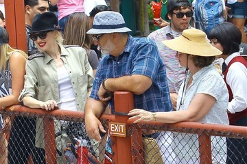 Gwen Stefani Patti Flynn Gwen Stefani Takes Her Boys to Knotts Berry Farm