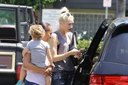 Gwen Stefani Stops by Whole Foods with Her Boys