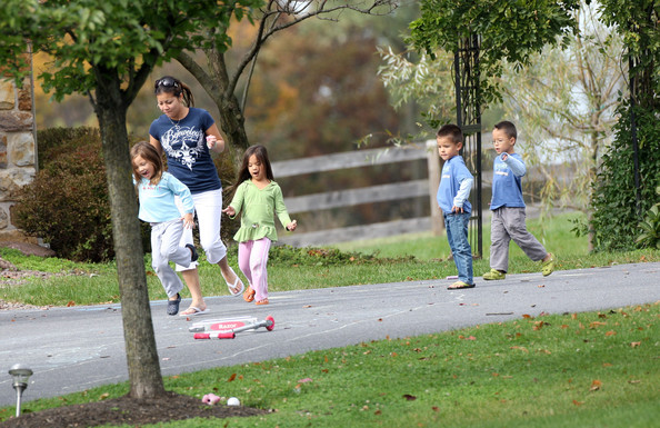 Gosselin Children Playing Outside With Their Nanny