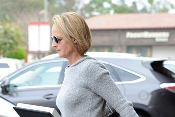 Helen Hunt Helen Hunt Grabs Lunch in Brentwood