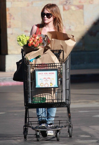 Hilary Duff Recently married actress Hilary Duff out grocery shopping at Ralphs supermarket in Studio City, CA.