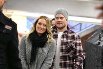 Hilary Duff Mike Comrie Hilary Duff and Mike Comrie at the Mall