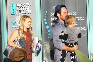 Hilary Duff Mike Comrie Hilary Duff And Family At The Fit For Kids Class