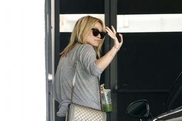 Hilary Duff Hilary Duff Gets Her Workout In