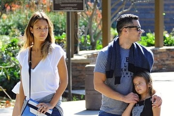 Honor Warren Jessica Alba & Family At Coldwater Park