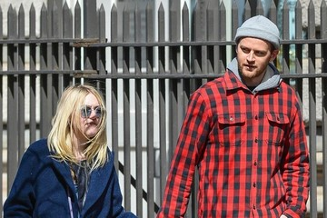 Jamie Strachan Dakota Fanning and Jamie Strachan Out For a Stroll in NYC