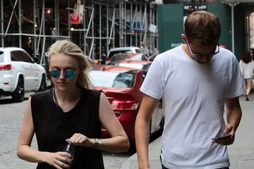 Jamie Strachan Dakota Fanning & Jamie Strachan Out and About in NYC