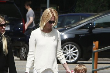 January Jones January Jones Takes Her Son To Breakfast