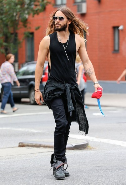 Jared Leto - Jared Leto Takes a Stroll
