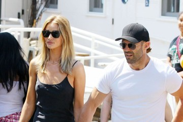Jason Statham Jason Statham and Rosie Huntington-Whiteley Grab Lunch With Their Family