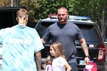 Jazmyn Bieber Justin Bieber and His Family Go Out Shopping in Los Angeles