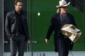 Jeff Bridges Ryan Reynolds Ryan Reynolds, Jeff Bridges and Mary Louise Parker Film R.I.P.D. In LA