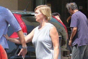 Jennie Garth Jennie Garth and Dave Abrams Go Out Shopping at Macy's