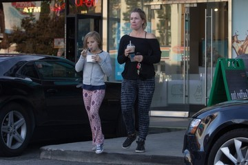 Jennie Garth Jennie Garth & Her Daughter Lola Stop For Ice Cream In LA
