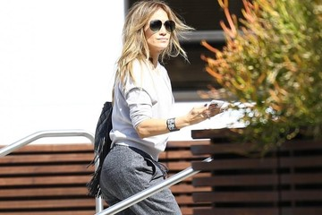 Jennifer Lopez Jennifer Lopez Visits a Studio in LA