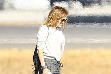 Jennifer Lopez Jennifer Lopez Catches a Private Jet