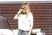 Jennifer Lopez Visits a Studio in LA