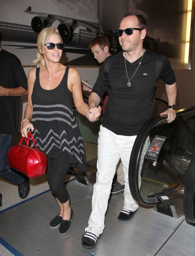 Donnie wahlberg dating aubrey o'day